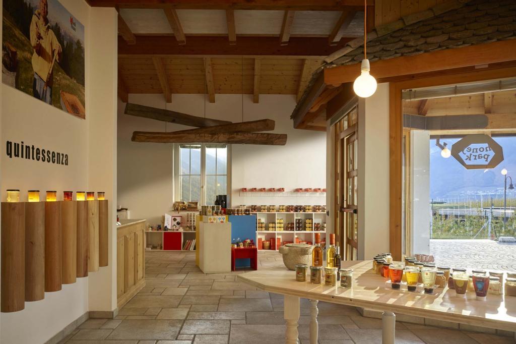 Flagship store Mieli Thun in sede a Vigo di Ton